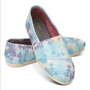 TOMS Palm Tree Canvas Slip-On Shoes 8